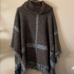 Yaira poncho sweater